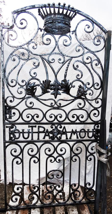 Portails et grilles en fer forg - Porte de cave ...